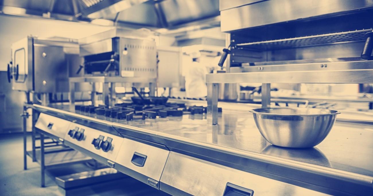 Indução, gás ou elétrico? Qual o melhor fogão industrial para sua cozinha?