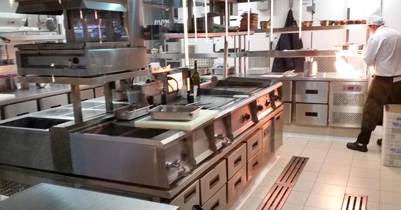 Como reduzir custos na cozinha industrial?