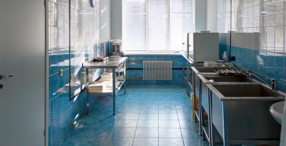 Quais são as necessidades especiais para uma cozinha hospitalar?