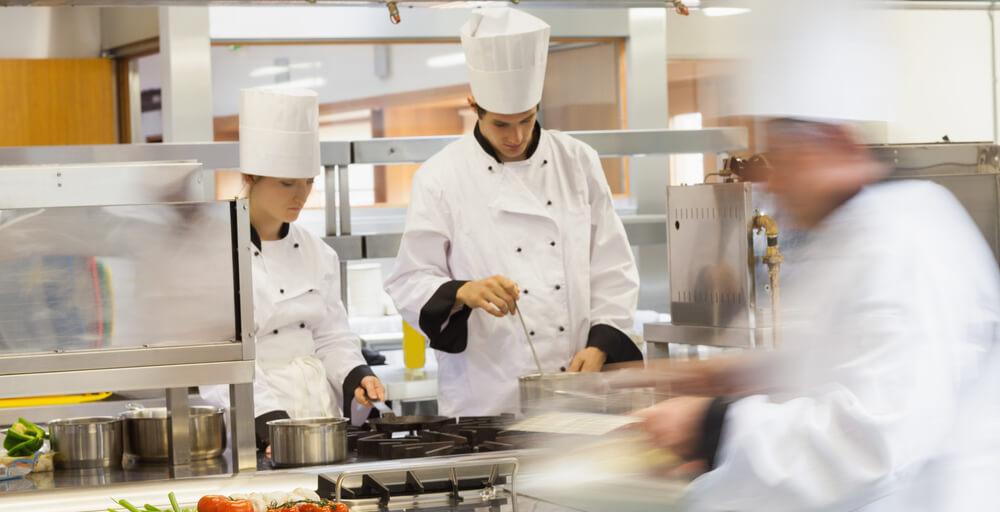 5 dicas para o bom funcionamento da cozinha do seu hotel