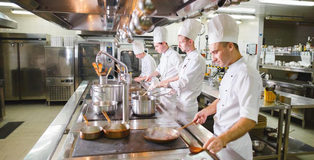 5 erros para evitar ao projetar uma cozinha de hotel